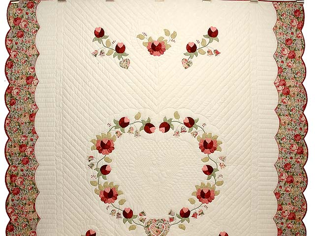 Willow and Paprika Heart of Roses Quilt Photo 2