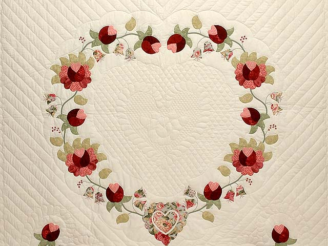 Willow and Paprika Heart of Roses Quilt Photo 3