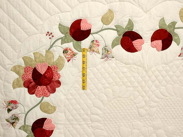 Willow and Paprika Heart of Roses Quilt Photo 4