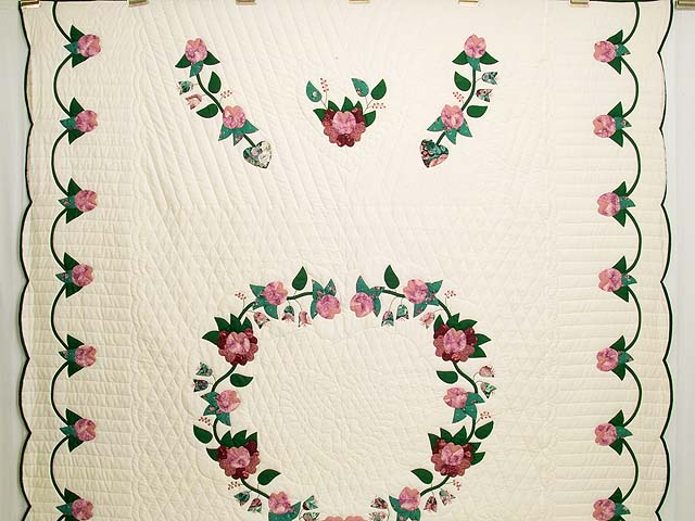 Rose and Green Heart of Roses Quilt Photo 2