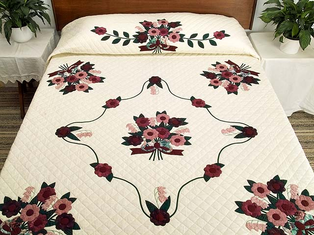 Raspberry Burgundy and Green Rose of Sharon Quilt Photo 1