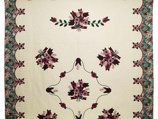 Raspberry Burgundy and Green Rose of Sharon Quilt Photo 2