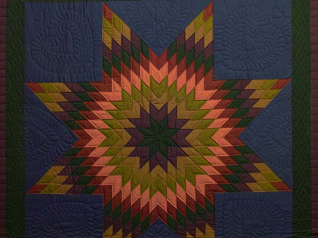 Almost Amish Lone Star Quilt Photo 3