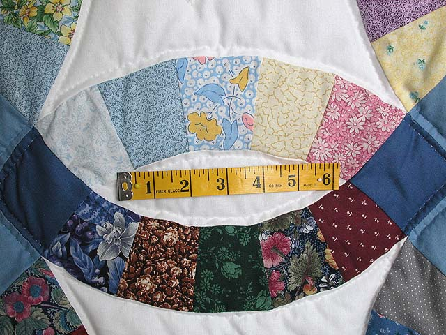 Twin Size Multicolor Double Wedding Ring Quilt Photo 4