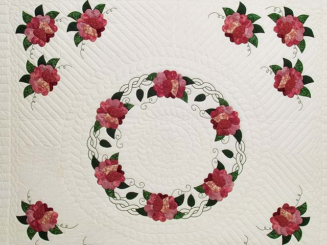 Rose and Green Rose Wreath Quilt Photo 3