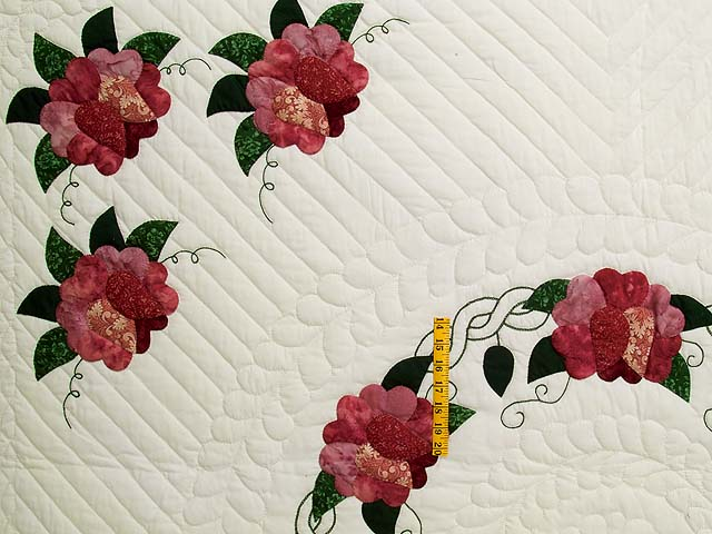 Rose and Green Rose Wreath Quilt Photo 4