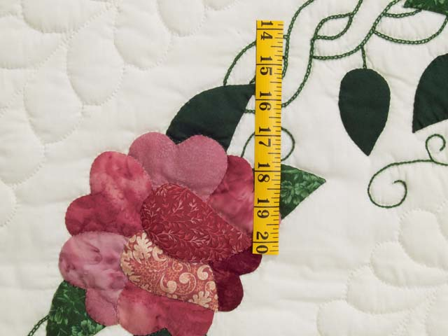 Rose and Green Rose Wreath Quilt Photo 5