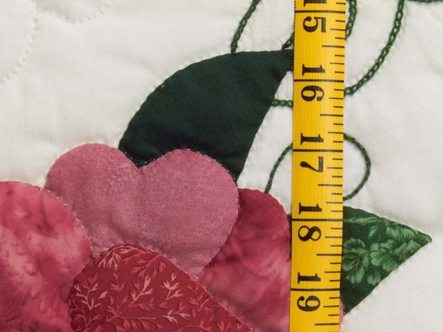 Rose and Green Rose Wreath Quilt Photo 6