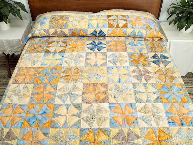 King Pastel Blue and Gold Winding Ways Quilt Photo 1