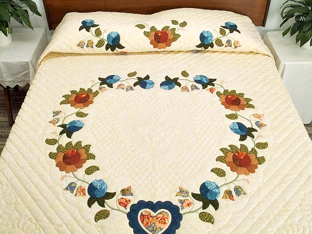 King Blue Coral and Green Heart of Roses Quilt Photo 1