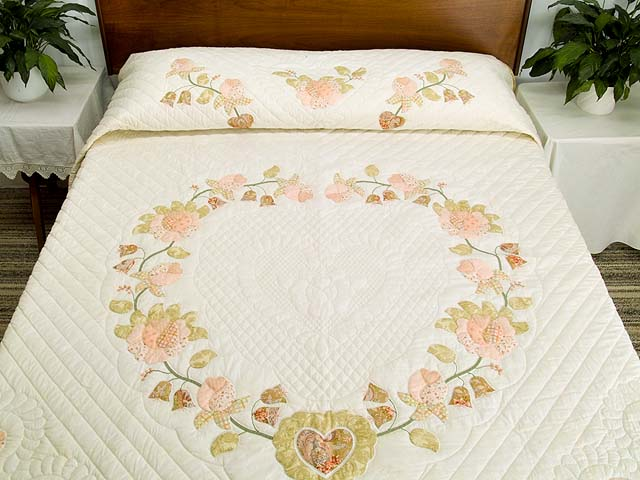 King Willow and Pink Heart of Roses Quilt Photo 1