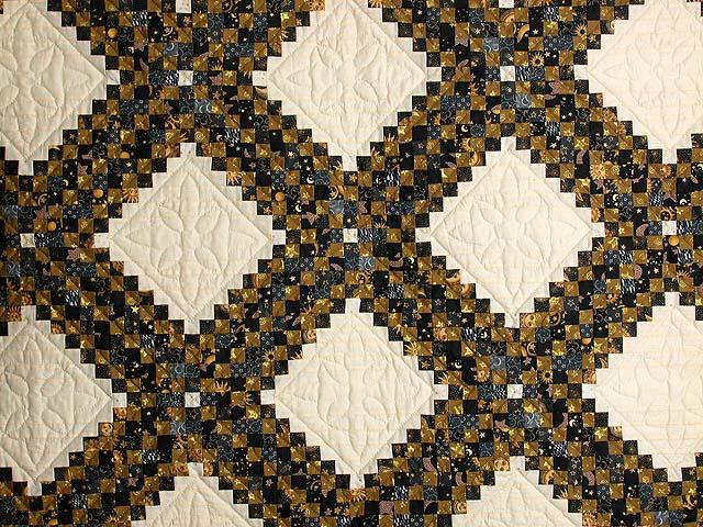 Black and Gold Philadelphia Pavement Quilt Photo 3