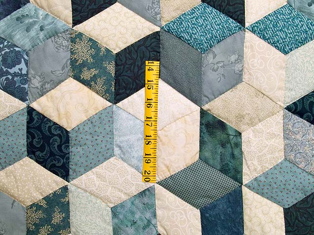 Blue Navy and Cream Tumbling Block Quilt Photo 4