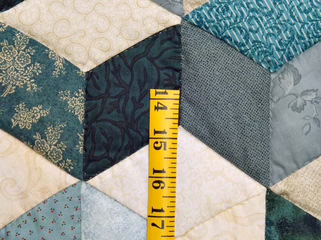 Blue Navy and Cream Tumbling Block Quilt Photo 5