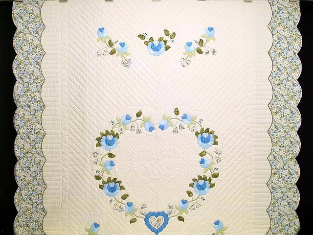 Blue and Willow Heart of Roses Quilt Photo 2