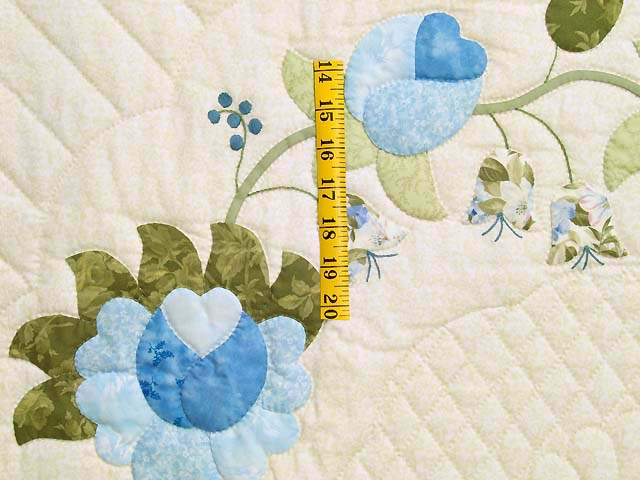 Blue and Willow Heart of Roses Quilt Photo 5