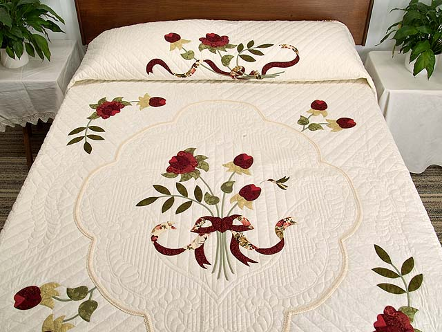 Red Roses on Ivory Lancaster Treasures Quilt Photo 1