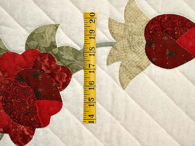 Red Roses on Ivory Lancaster Treasures Quilt Photo 5