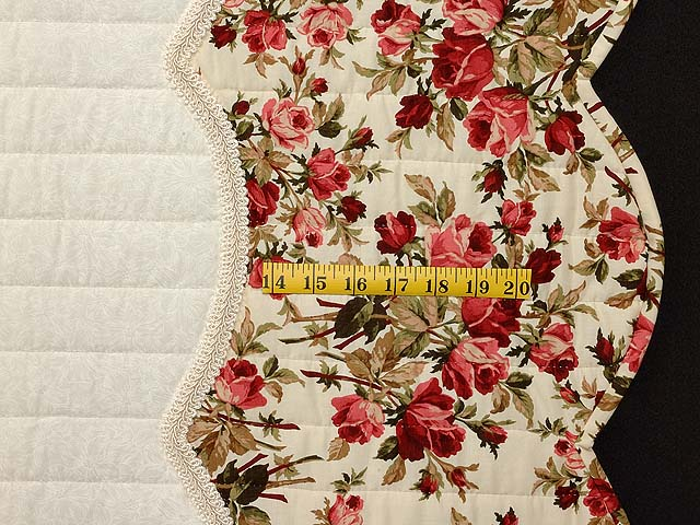 Red Roses on Ivory Lancaster Treasures Quilt Photo 7