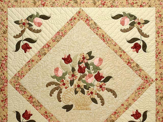 Carmel Peach Rose and Moss Spring Basket Quilt Photo 3