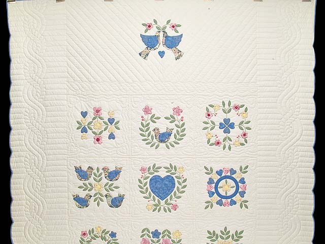 Pastel Appliqué Album Sampler Quilt Photo 2