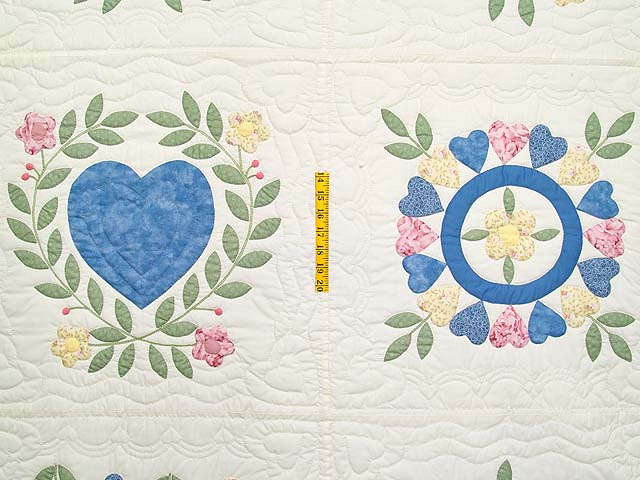 Pastel Appliqué Album Sampler Quilt Photo 4