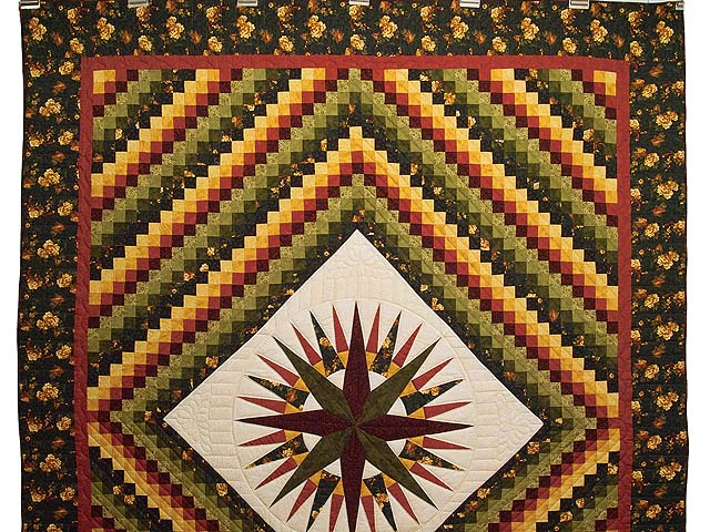 Green Red and Gold Compass Trip Quilt Photo 2