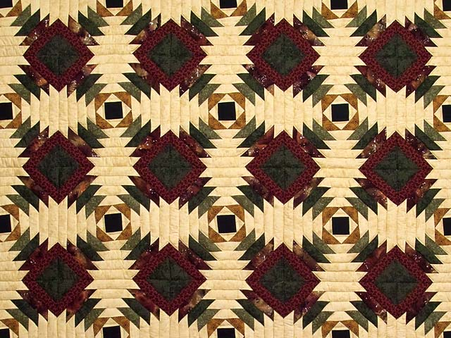 Burgundy Tan And Earth Tones Pineapple Quilt Photo 3