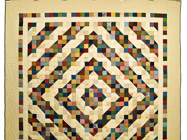 Tan and Multicolor Scrapaholic Quilt Photo 2