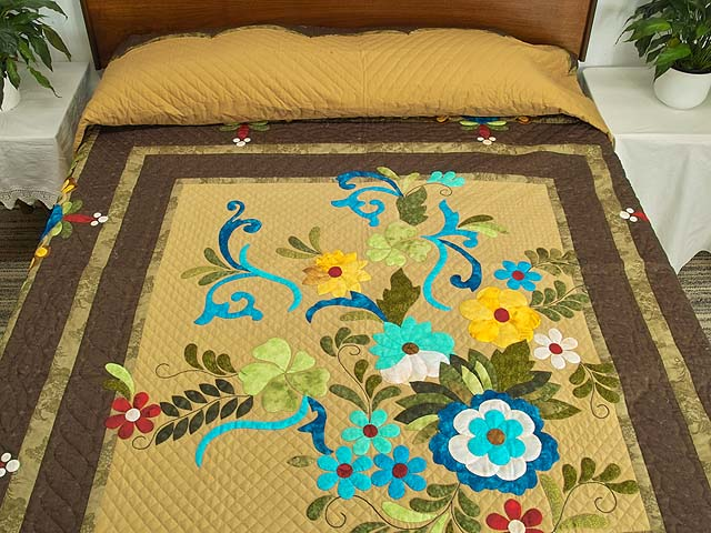 Sharon Appliqu� Quilt Photo 1