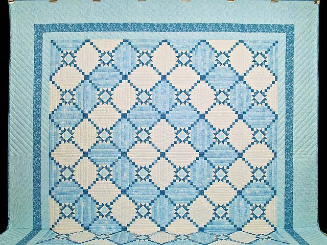 King Pastel Blue and Ivory Stars in the Cabin Quilt Photo 2
