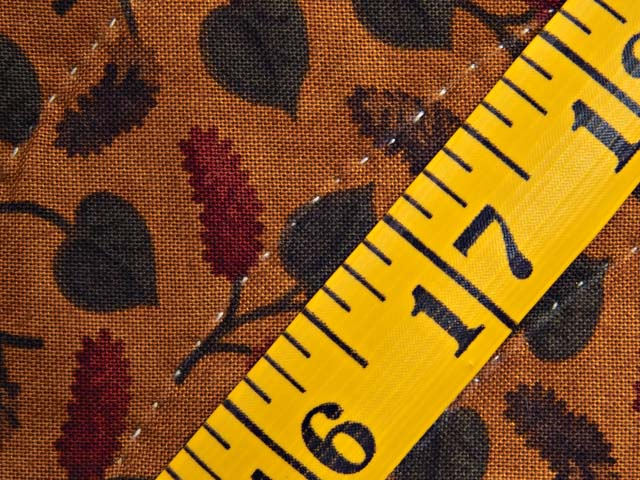Brick Red Moss and Gold Compass Log Cabin Quilt Photo 8