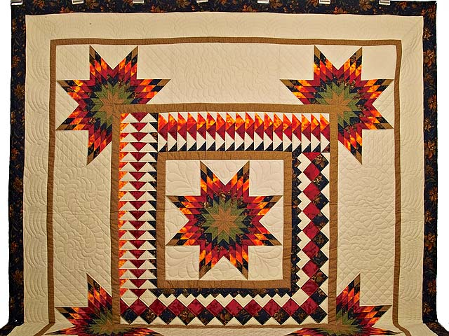 King Fire Red Green and Gold Star Quest Quilt Photo 2