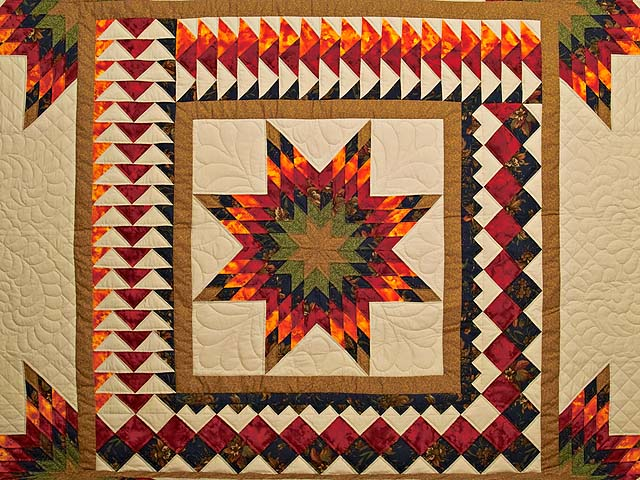King Fire Red Green and Gold Star Quest Quilt Photo 3