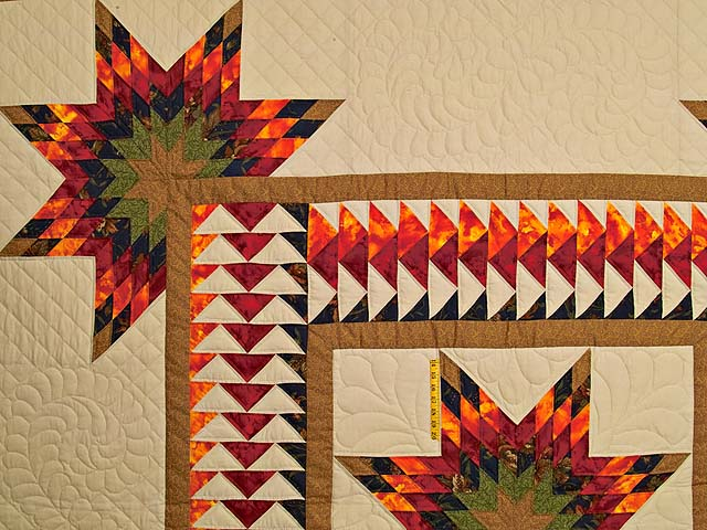 King Fire Red Green and Gold Star Quest Quilt Photo 4