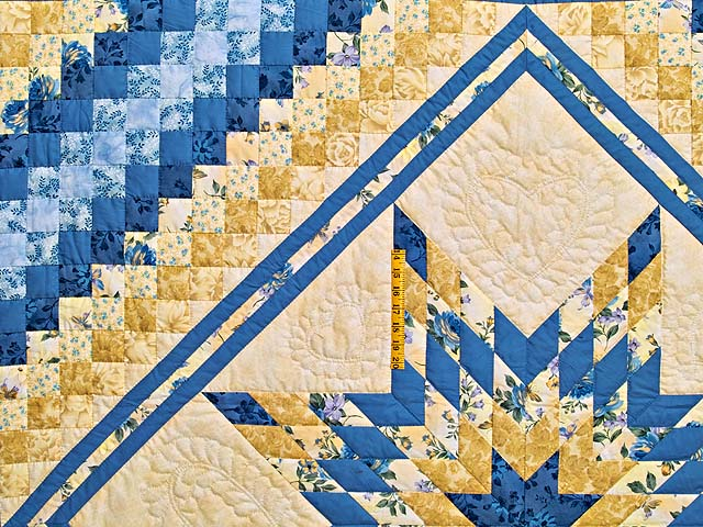 Yellow and Blue Lone Star Trip Quilt Photo 4