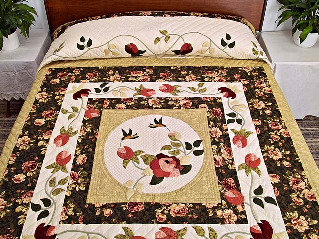 Moss and Rose I Promised You a Rose Garden Quilt Photo 1