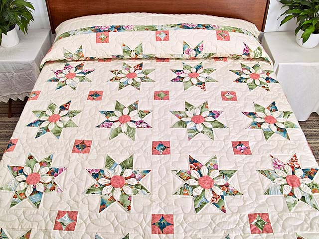 Green and Rose Dahlia Star Quilt Photo 1