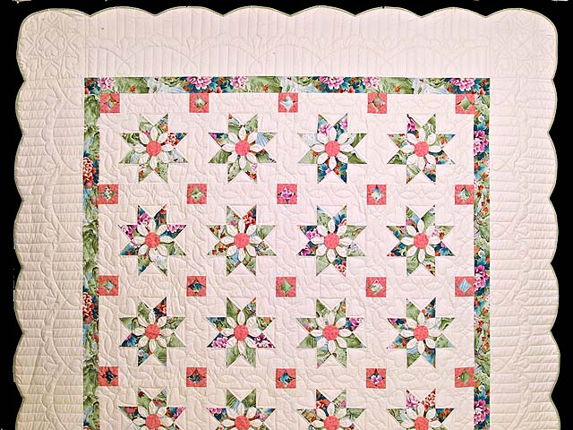 Green and Rose Dahlia Star Quilt Photo 2