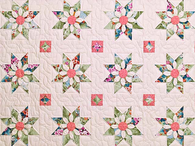 Green and Rose Dahlia Star Quilt Photo 3