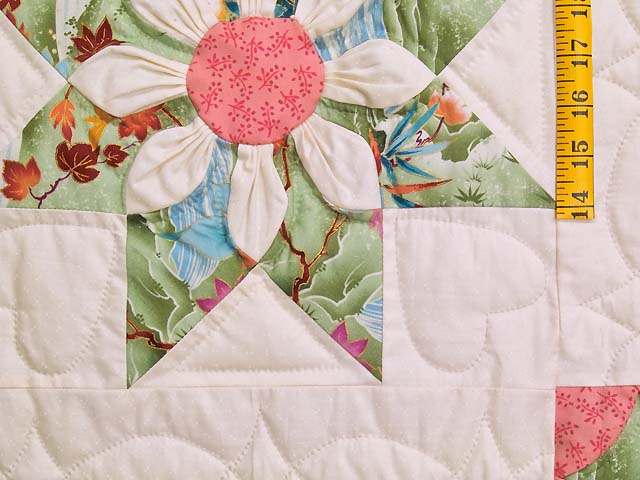 Green and Rose Dahlia Star Quilt Photo 5
