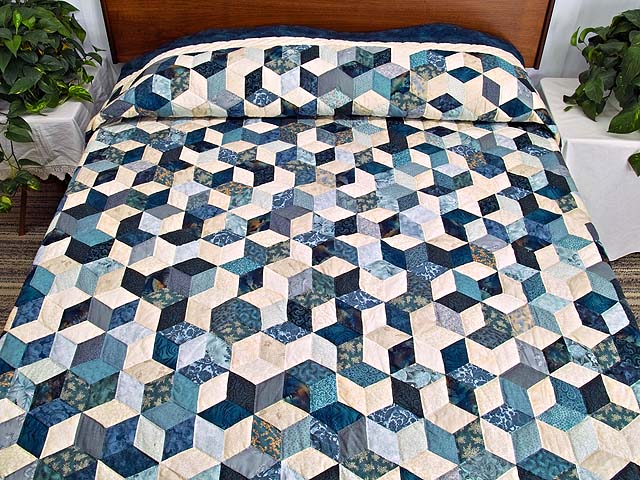 King Blue Navy and Cream Tumbling Blocks Quilt Photo 1