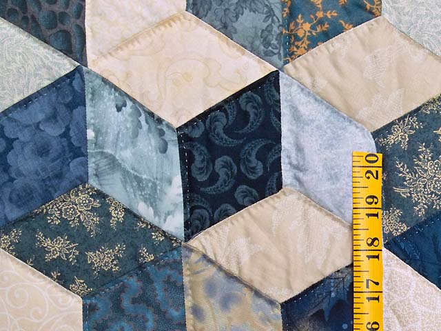 King Blue Navy and Cream Tumbling Blocks Quilt Photo 5