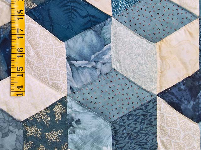 King Blue Navy and Cream Tumbling Blocks Quilt Photo 6
