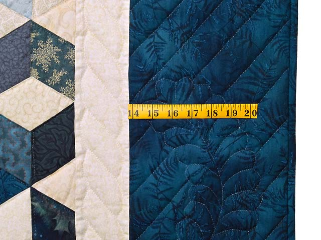 King Blue Navy and Cream Tumbling Blocks Quilt Photo 7