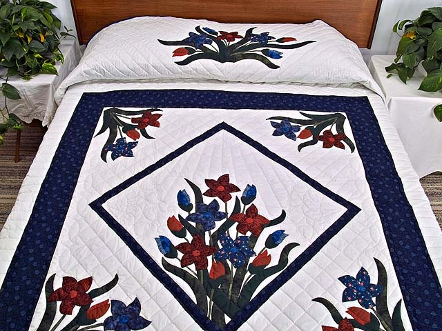 Full Size Blue and Red Appliqué Lilly Quilt Photo 1
