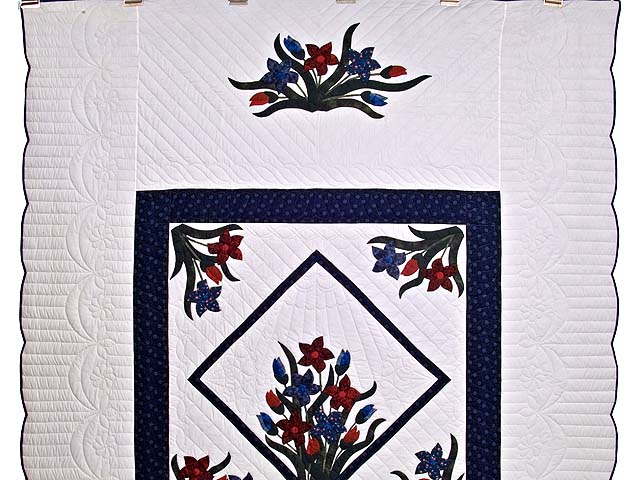 Full Size Blue and Red Appliqué Lilly Quilt Photo 2