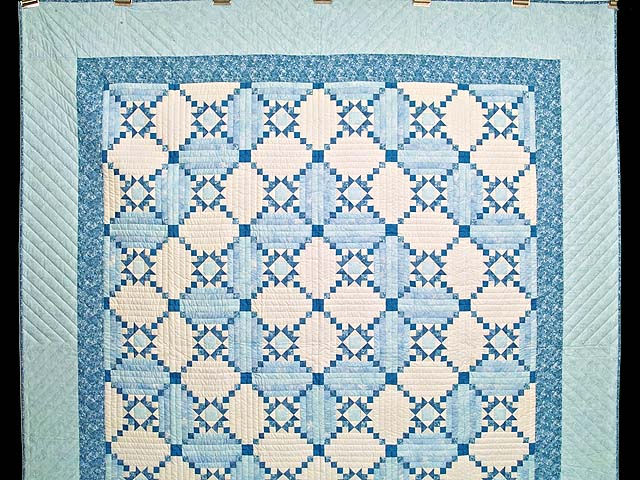 Aqua Blues and Ivory Stars in the Cabin Quilt Photo 2