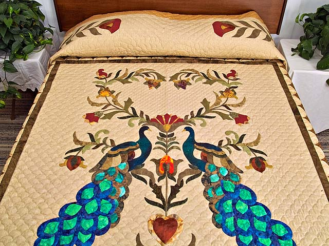 King Salutation Quilt Photo 1