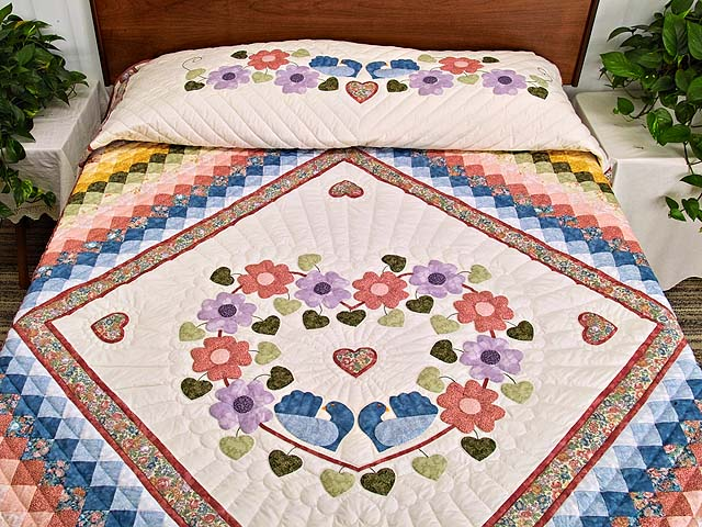 Pastels on Cream Sunshine Sweetheart Quilt Photo 1